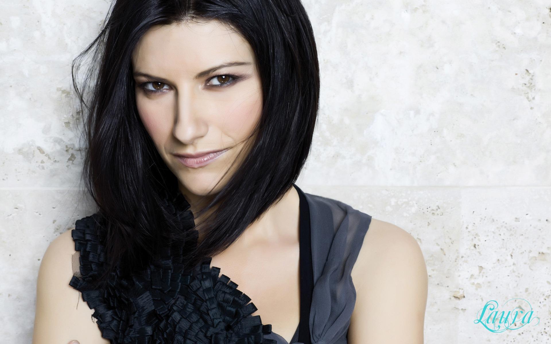 Laura Pausini, 5 date del tour europeo annullate per problemi di salute